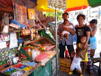 Mang Ely & family in Quiapo Feb 7 2014