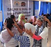 Muslim women healing each other