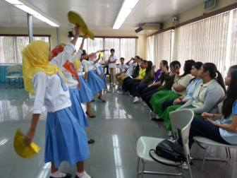 Rajah Mudah dance for Miriam students